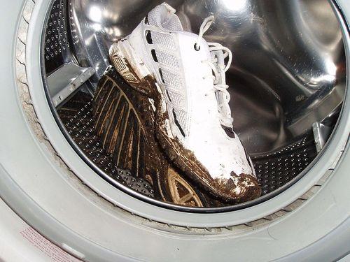 Стираем кроссовки