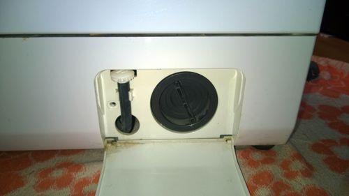 Крышка фильтра и трубочка для слива воды