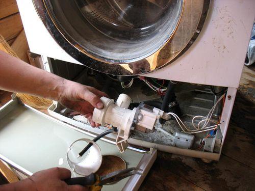 Извлечение насоса из стиральной машины