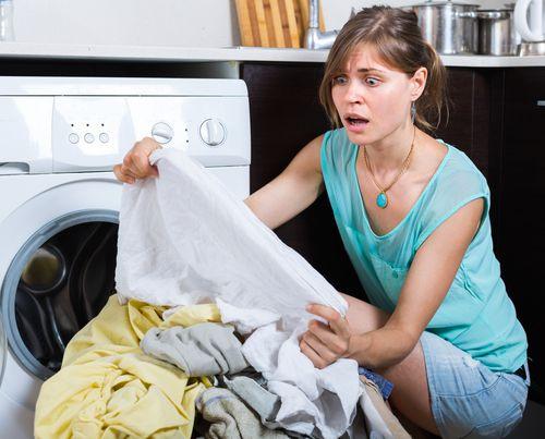 Пятна на одежде после стирки