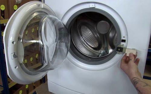 Поломка замка стиральной машины
