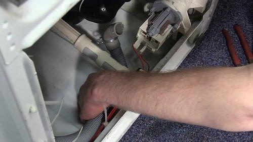 Шланги в стиральной машине