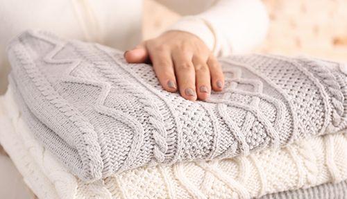 Белая вязанная одежда